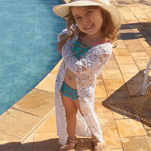 Child's pareo dress in white lace 1